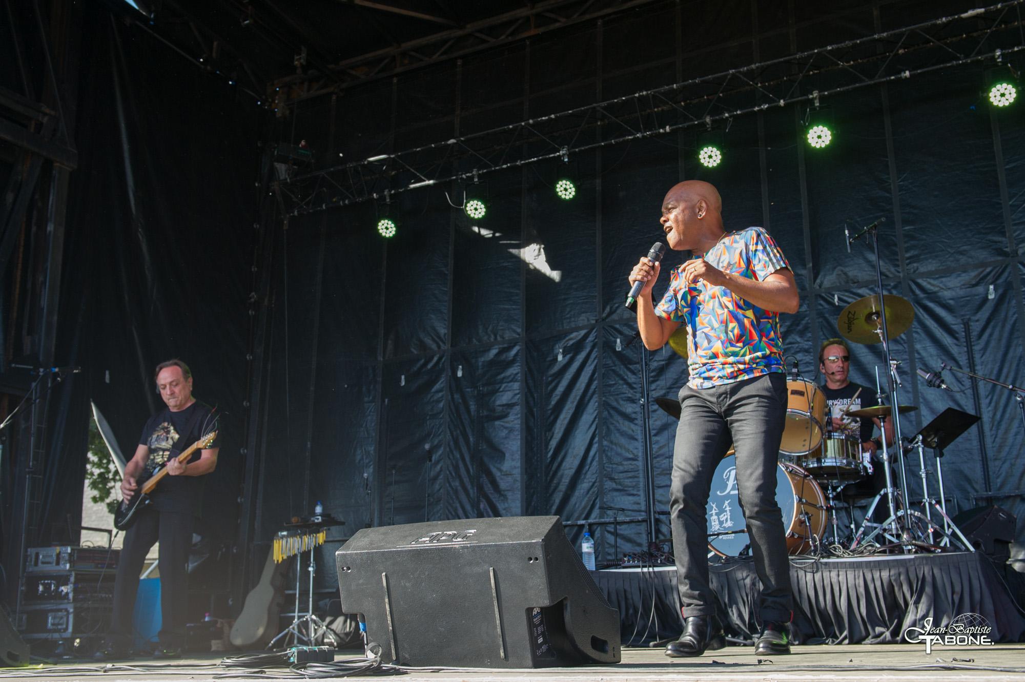 Concert d'Émile et Images le 15 août 2016